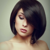 Womens-bob-with-long-bangs