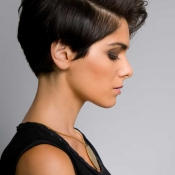 Womens-short-hair-with-long-bangs-and-side-cut