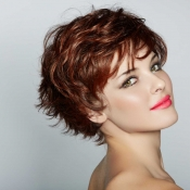 Womens-short-layered-hair